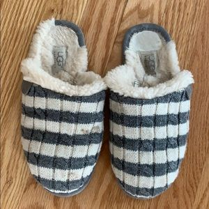 Ugg slippers size 6